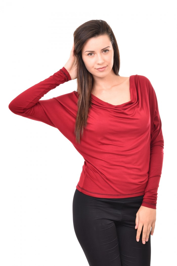 Blouse in bordeaux colour with kimono sleeves Dona
