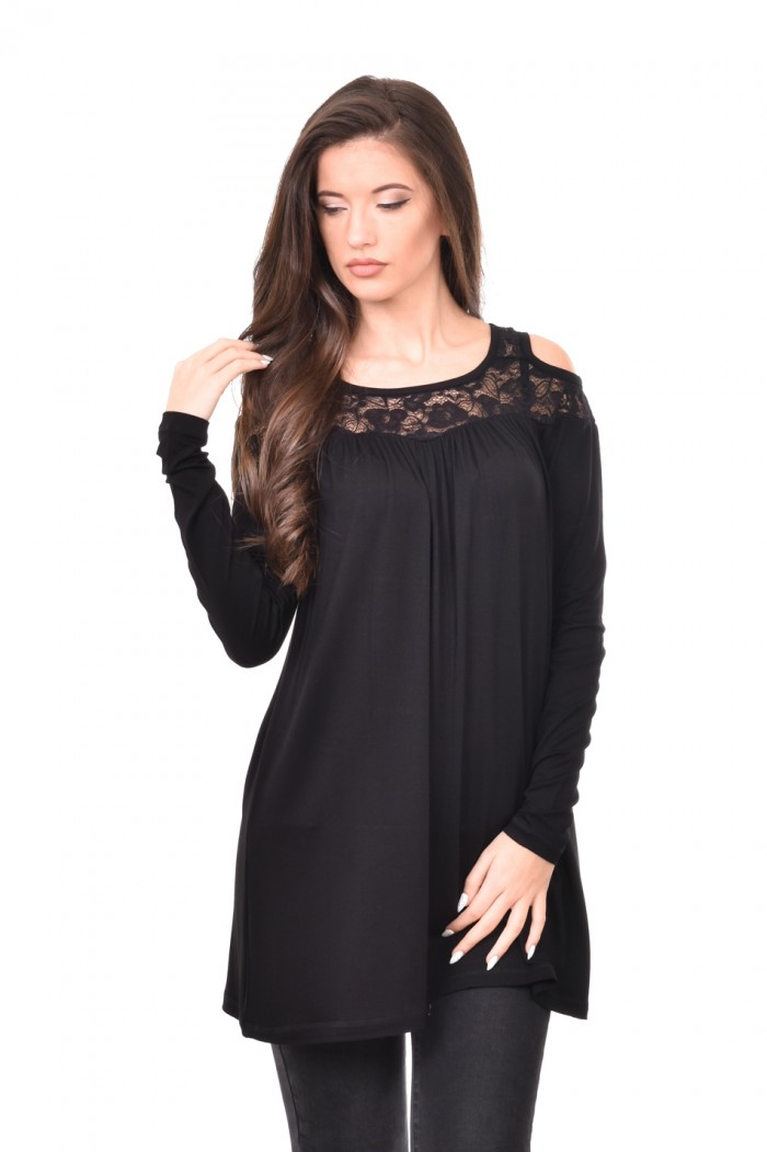 Beautiful blouse with lace in black Liysena