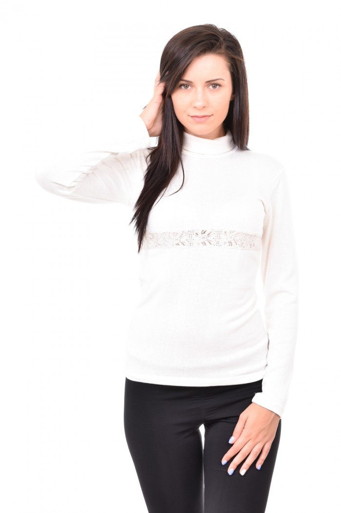 Knitted blouse with lace Maria-Viktoria