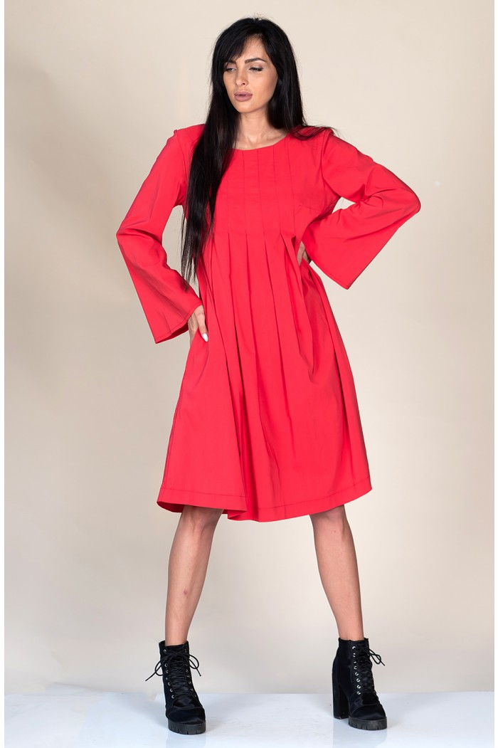 Red dress with bell sleeves Andreyana