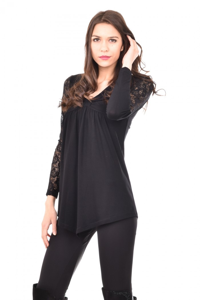 Stylish and comfortable tunic in black Avena