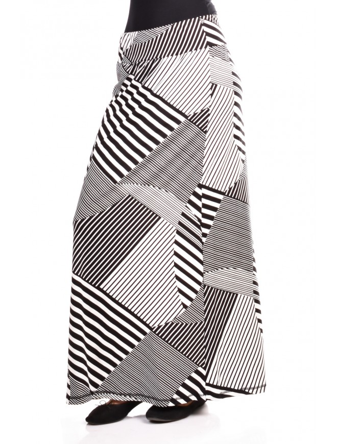 Women Skirt in Black and White Spaseiana