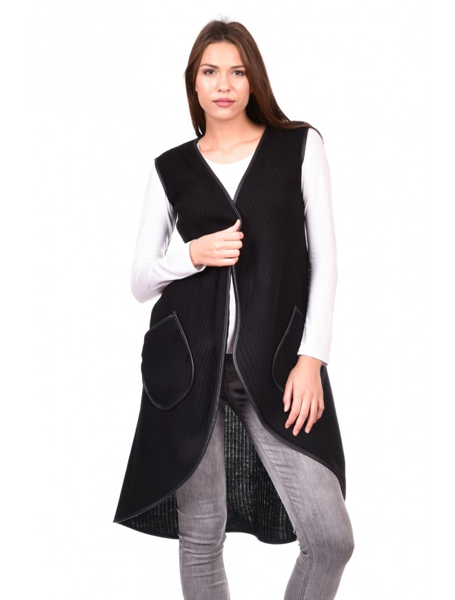 Vest in Black Vatelina